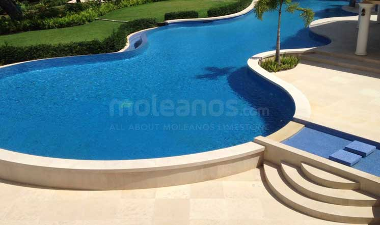 Moleanos Classic limestone tiles for paving