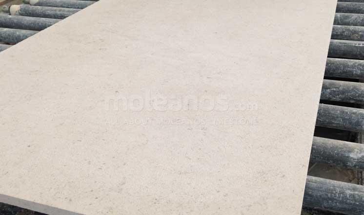 Moleanos limestone finishing