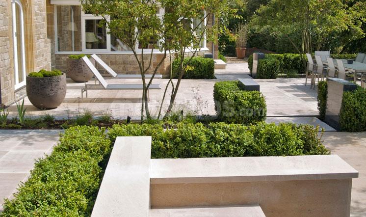 Moleanos Classic limestone landscaping